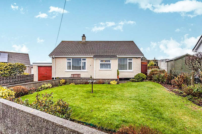 2 Bedrooms Semi Detached Bungalow for sale in Highland Park, Redruth, TR15