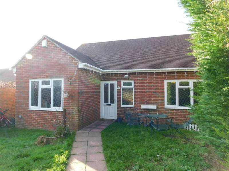 4 Bedrooms Bungalow for rent in Barn End Lane, Willmington