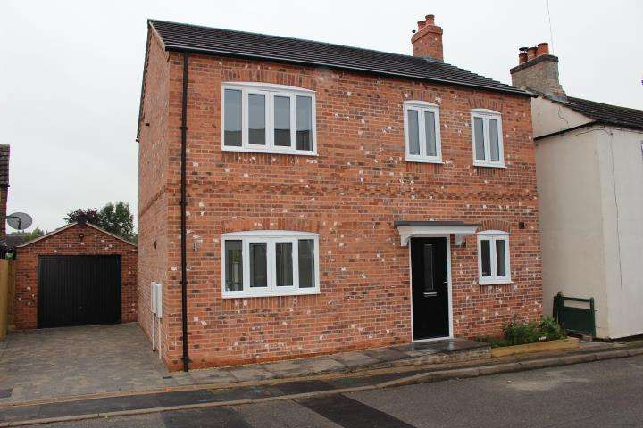 3 Bedrooms House for sale in Main Street, Fleckney, Leicester