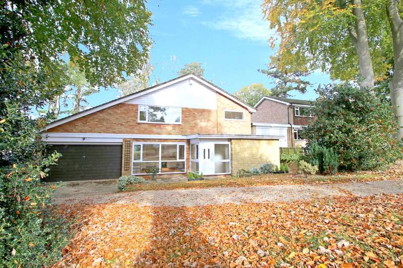 4 Bedrooms Detached House for sale in Woodhyrst Gardens, Kenley
