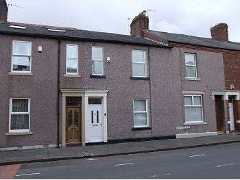 3 Bedrooms Terraced House for rent in Greystone Road, Carlisle, CA1 2DD