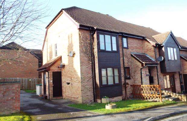 2 Bedrooms Maisonette Flat for sale in Tadley, Hampshire, England