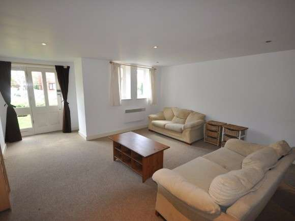 2 Bedrooms Flat for sale in The Gallery, Range Road, Whalley Range, Manchester