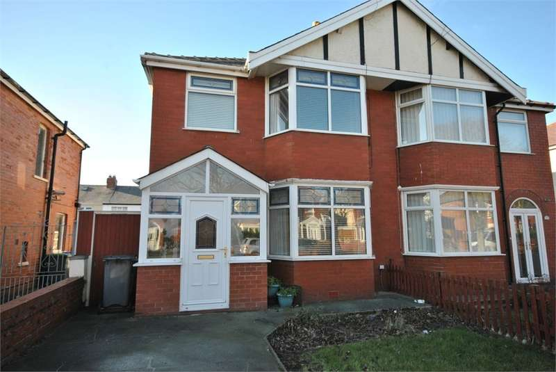 3 Bedrooms Semi Detached House for rent in Harrington Avenue, Blackpool, FY4