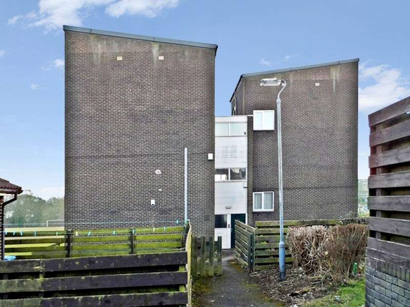 2 Bedrooms Maisonette Flat for sale in Wansbeck Court, Peterlee, Peterlee, Durham, SR8 1EY