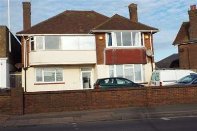 2 Bedrooms Flat for rent in Brighton Road, Lancing