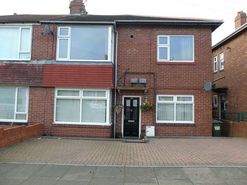2 Bedrooms Property for sale in Balkwell Avenue, North Shields, Tyne and Wear, NE29 7JF