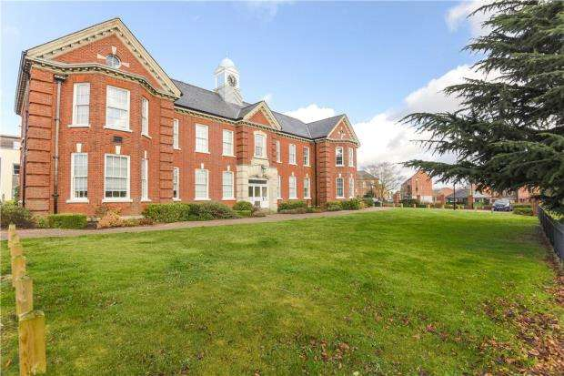 3 Bedrooms Apartment Flat for sale in Idsworth Court, Basingstoke, Hampshire