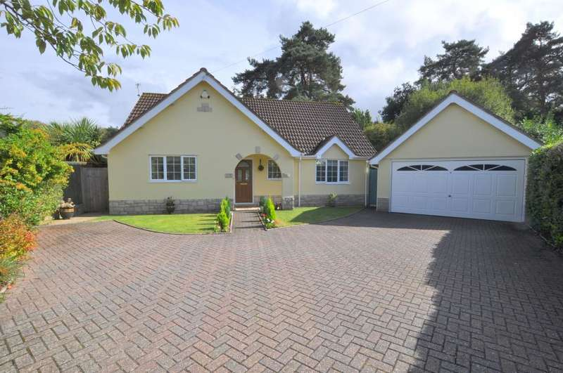 3 Bedrooms Bungalow for sale in Struan Court, Ashley Heath, Ringwood, BH24 2EF