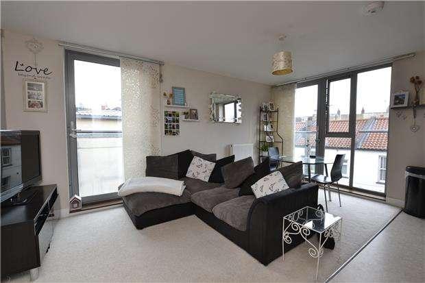 1 Bedroom Flat for sale in Armidale Place, Montpelier, Bristol, BS6 5BQ