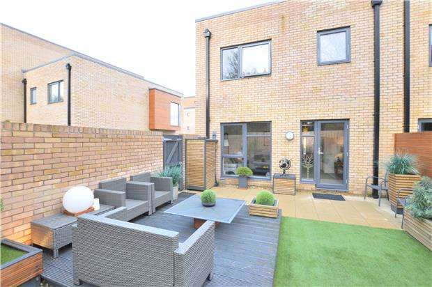 3 Bedrooms End Of Terrace House for sale in Leckhampton Place, Cheltenham, Glos, GL53 0FA