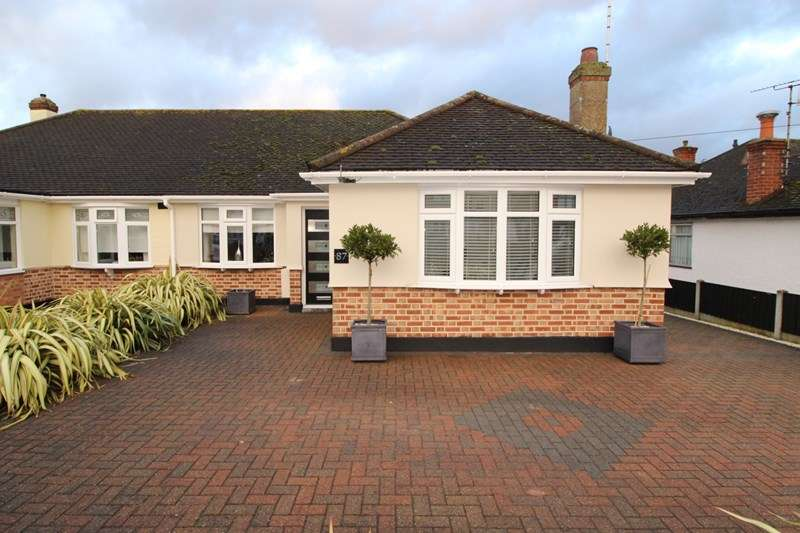 2 Bedrooms Property for sale in Woodside, Leigh-On-Sea