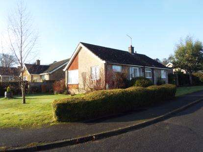 2 Bedrooms Bungalow for sale in Swaffham, Norfolk