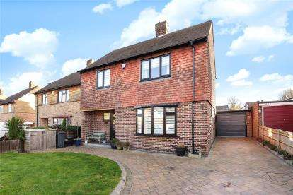 3 Bedrooms Detached House for sale in Gravel Road, Bromley