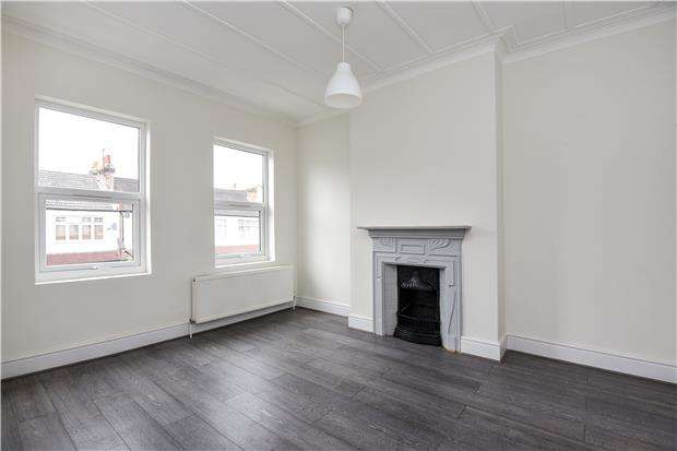 3 Bedrooms Terraced House for sale in Silverleigh Road, THORNTON HEATH, Surrey, CR7 6DW