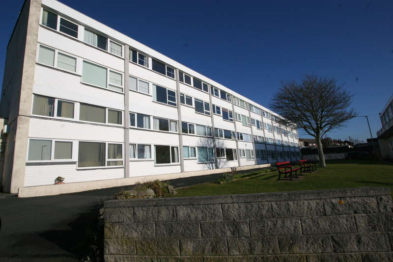 3 Bedrooms Maisonette Flat for sale in Marine Drive, Torpoint