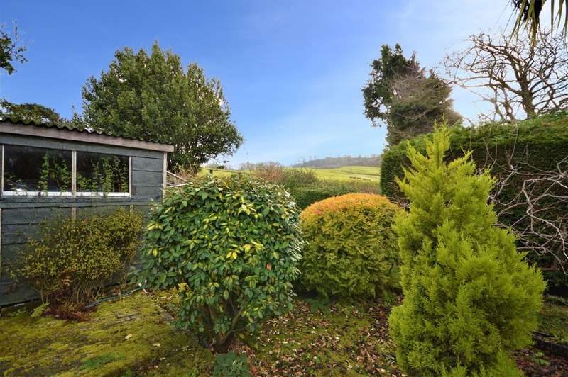 2 Bedrooms Detached Bungalow for sale in Victoria Avenue, Shanklin