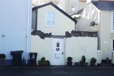 2 Bedrooms Cottage House for rent in Shaldon
