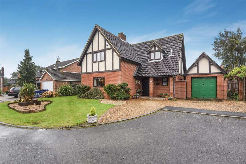 4 Bedrooms Detached House for sale in Moorlands, Wellingborough