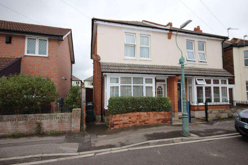 2 Bedrooms Semi Detached House for sale in Wheaton Road, Pokesdown, Bournemouth
