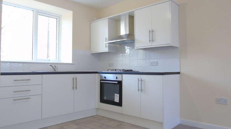 4 Bedrooms Terraced House for sale in Oxford Street, Pontycymer, Bridgend