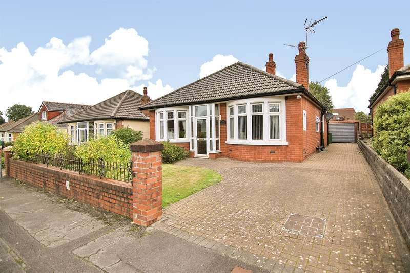 3 Bedrooms Detached Bungalow for sale in Heol Dolwen, Whitchurch, Cardiff