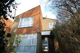 4 Bedrooms House for sale in Cordrey Gardens, Coulsdon, Surrey