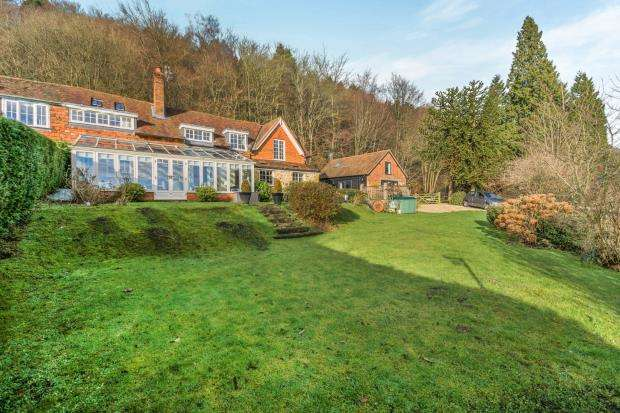 5 Bedrooms Semi Detached House for sale in Coldharbour, Dorking, Surrey