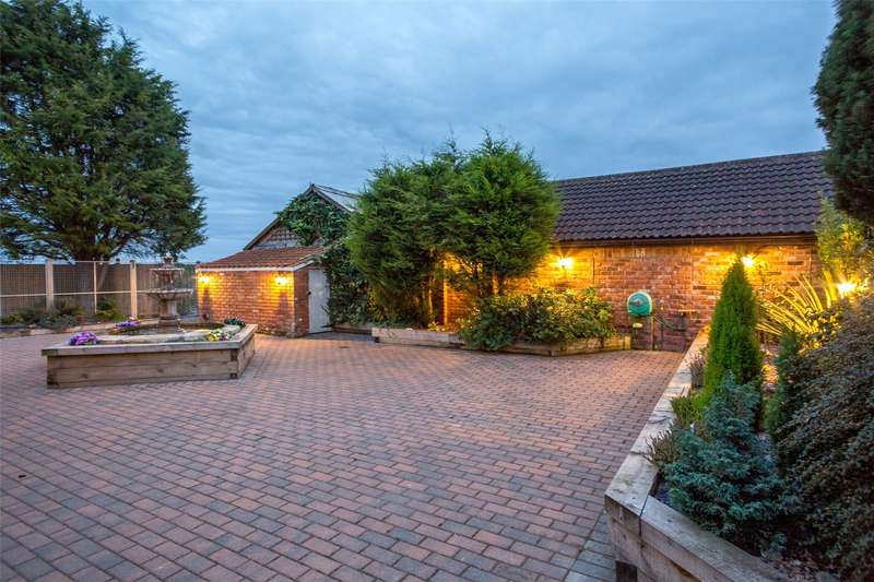 4 Bedrooms Detached House for sale in Mill Lane, Brayton, Selby, YO8