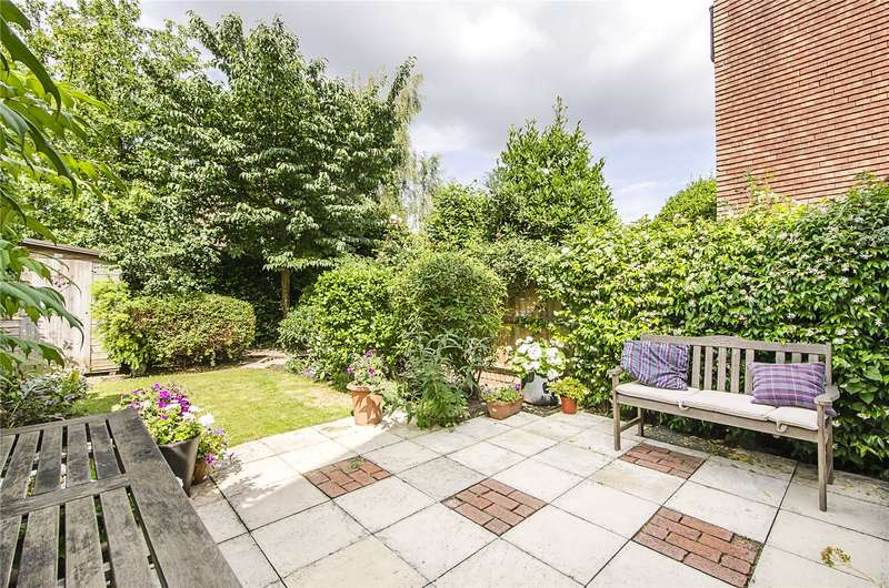 4 Bedrooms Terraced House for sale in Hosack Road, London, SW17
