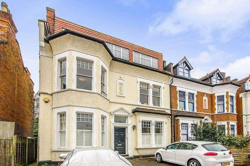 2 Bedrooms Flat for sale in Flat 2, 15 Coleridge Road, Crouch End, London, N8 8EH