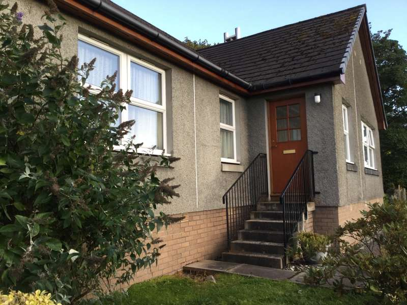 3 Bedrooms Detached Bungalow for sale in Shieldaig Silvercraigs, Castleton, Lochgilphead, PA31 8RX