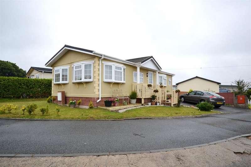2 Bedrooms Park Home Mobile Home for sale in Hill Farm Park, Pembroke Dock