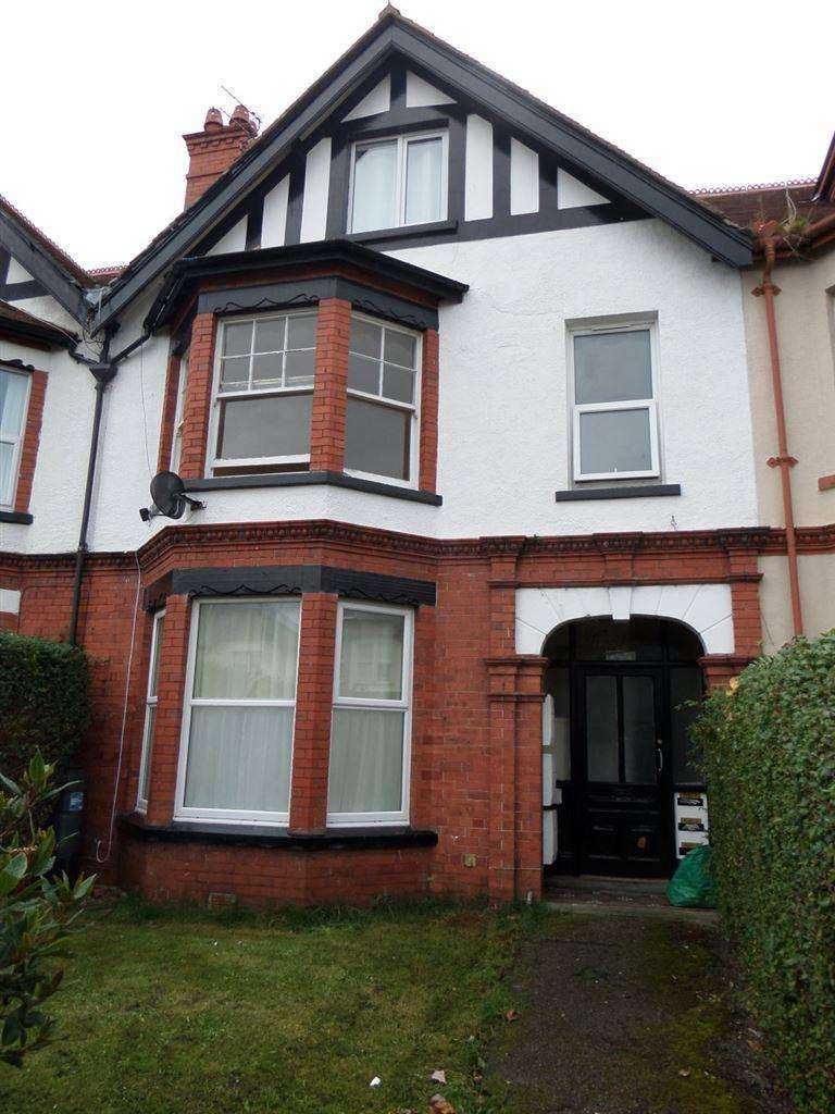 2 Bedrooms Flat for rent in Flat 2, 2 howard Road