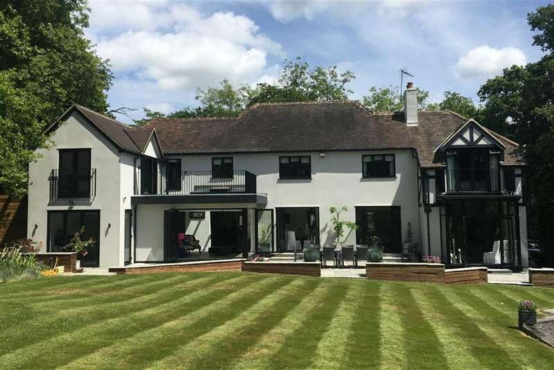 5 Bedrooms Detached House for sale in Hendon Wood Lane, Mill Hill, London