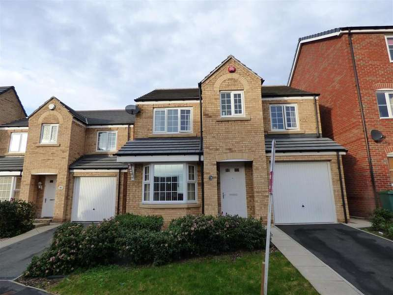 4 Bedrooms Detached House for sale in Westfield Street, Heckmondwike
