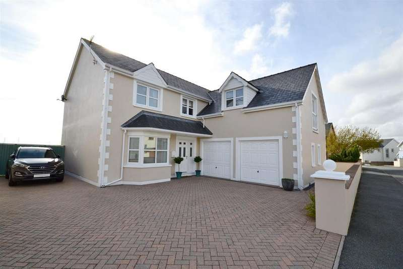 5 Bedrooms Detached House for sale in Ocean Way, Pennar, Pembroke Dock