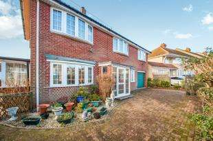 3 Bedrooms Detached House for sale in Old Park Hill, Dover, Kent, .