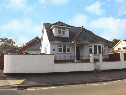 3 Bedrooms Bungalow for sale in Dawlish Warren, Dawlish, Devon