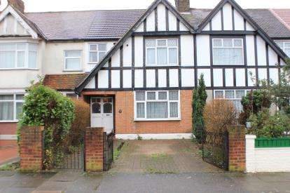 3 Bedrooms Terraced House for sale in Aldborough Road North, Essex