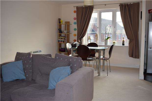 2 Bedrooms Flat for rent in Harvest Way, Witney, OX28