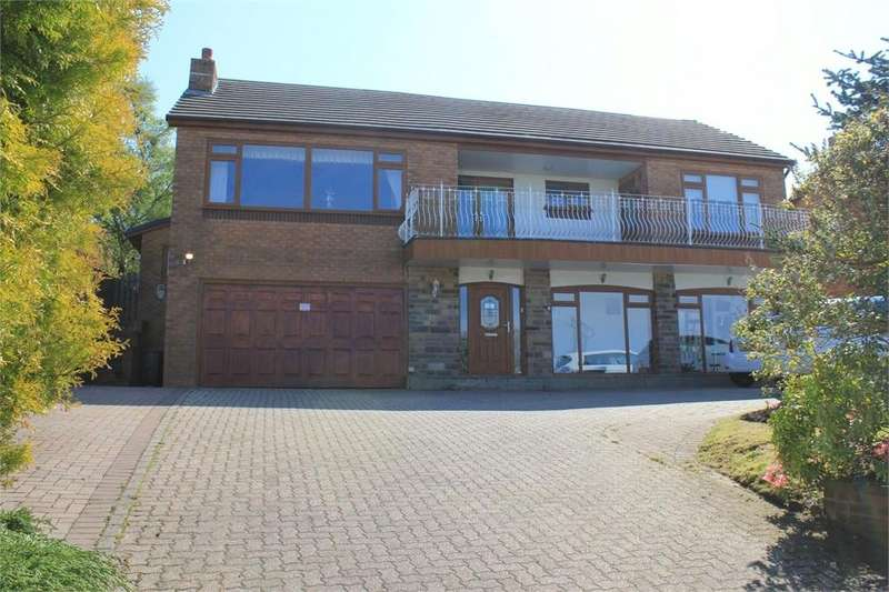 6 Bedrooms Detached House for sale in 21 Hollowhead Avenue, Wilpshire