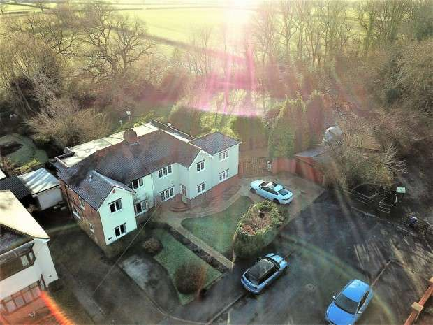 4 Bedrooms Semi Detached House for sale in Albert Road, Millisons Wood, Coventry, CV5