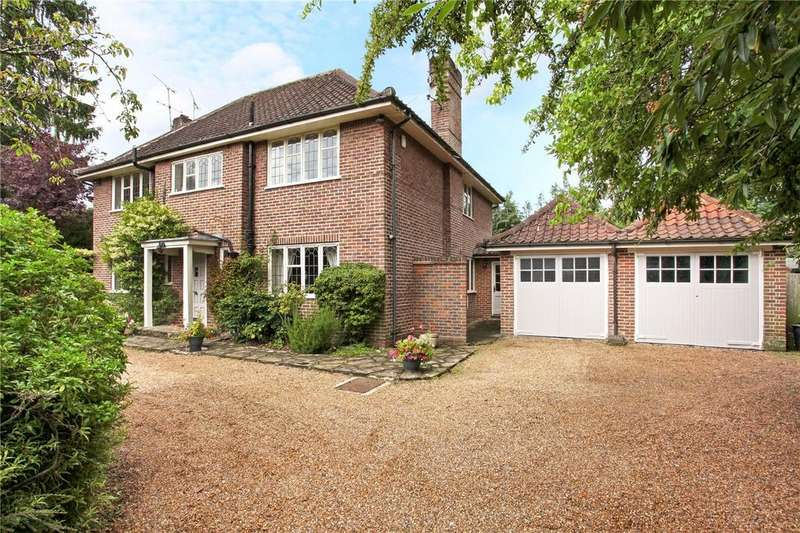 4 Bedrooms Detached House for sale in Broomfield Park, Ascot, Berkshire, SL5