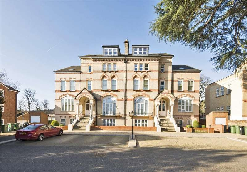 2 Bedrooms Flat for sale in Savill court, 1-3 The Fairmile, Henley-on-Thames, Oxfordshire, RG9