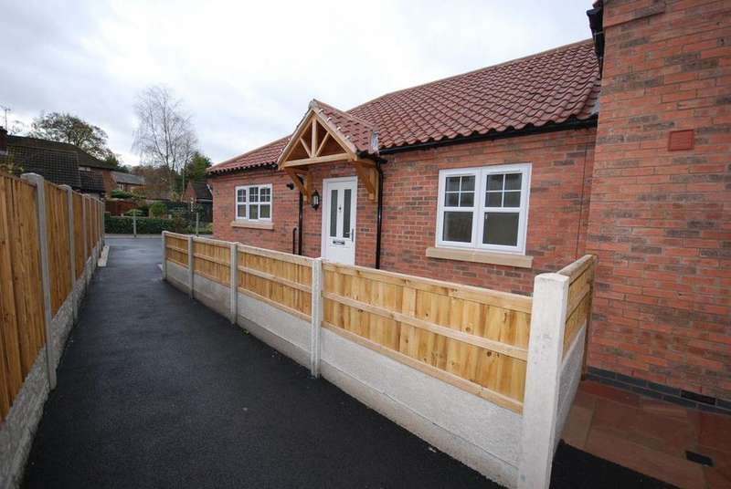 2 Bedrooms Bungalow for rent in Croft Cottages, Southwell, Nottinghamshire