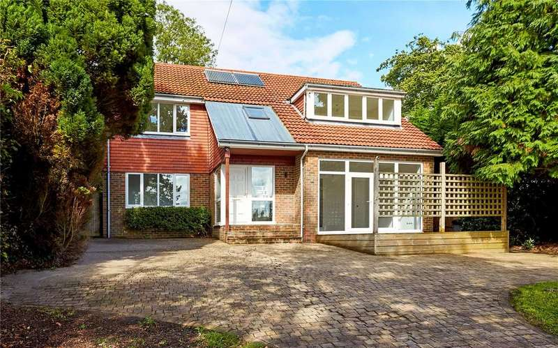 4 Bedrooms Detached House for sale in Douglas Road, Town Row, Rotherfield, East Sussex, TN6