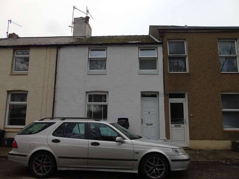 2 Bedrooms Terraced House for sale in Conway Terrace, Croesyceiliog, Cwmbran