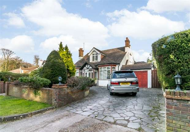 6 Bedrooms Detached Bungalow for sale in Overhill Road, Purley, Surrey