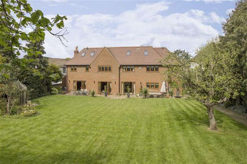 7 Bedrooms Detached House for sale in Brookmans Avenue, Brookmans Park, Hertfordshire